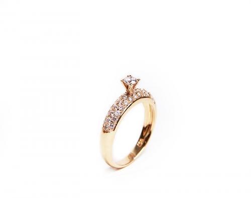 95c34e02e6f Anel Solitário com Diamantes Cravação Pavê